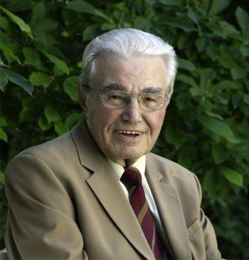 Hermann Kronseder, o fundador da Krones, morre aos 85 anos