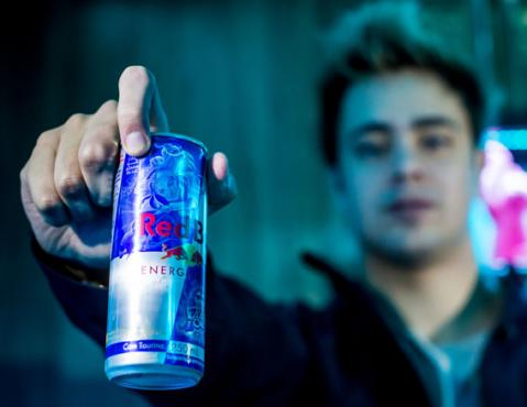 Red Bull e Riot ampliam parceria com lata inédita no mundo